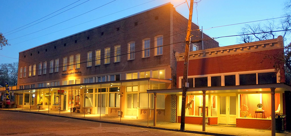 Woodville Live-work and Apartment Rentals, Studio 137, Town Square Café | Woodville Lofts & Studios, Mississippi, MS